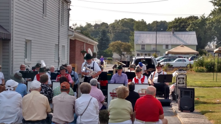 One of the little musical groups, complete with a yodeler